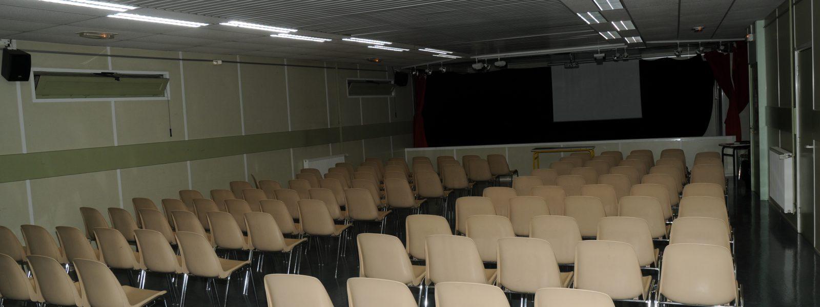 Salle Arc-En-Ciel : lieu de réunions des parents